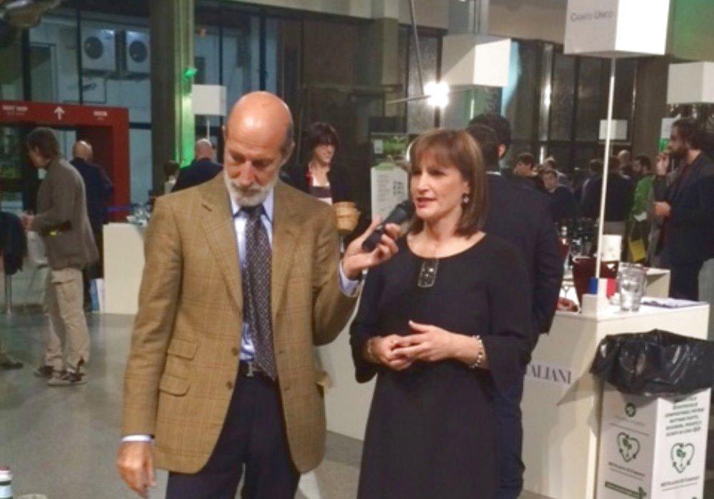 FOGLIA DI VITE DA LUCA MARONI Roberta Ciaccioni presenta il vino di punta dell'Azienda