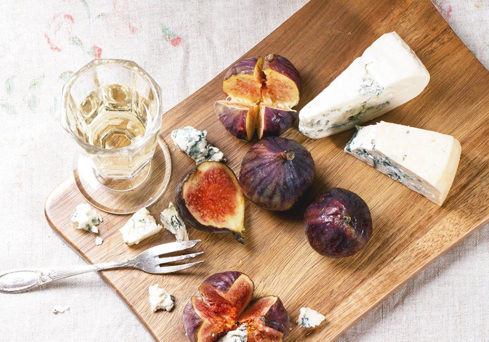 AD OGNI FORMAGGIO IL SUO VINO Il vino giusto per gli amanti dei formaggi