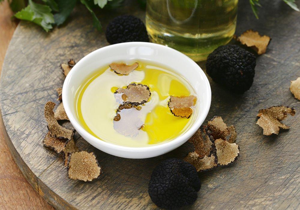 COME RICONOSCERE UN BUON OLIO D'OLIVA ITALIANO Capire le qualità dell'olio extravergine di oliva